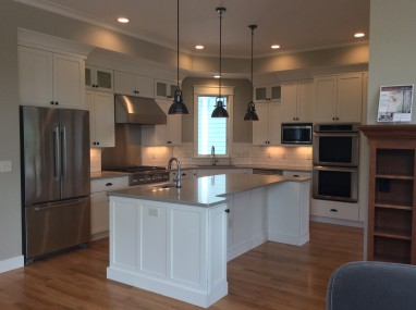 Gary Frakes Construction 2015 Parade Home-Kitchen (1)