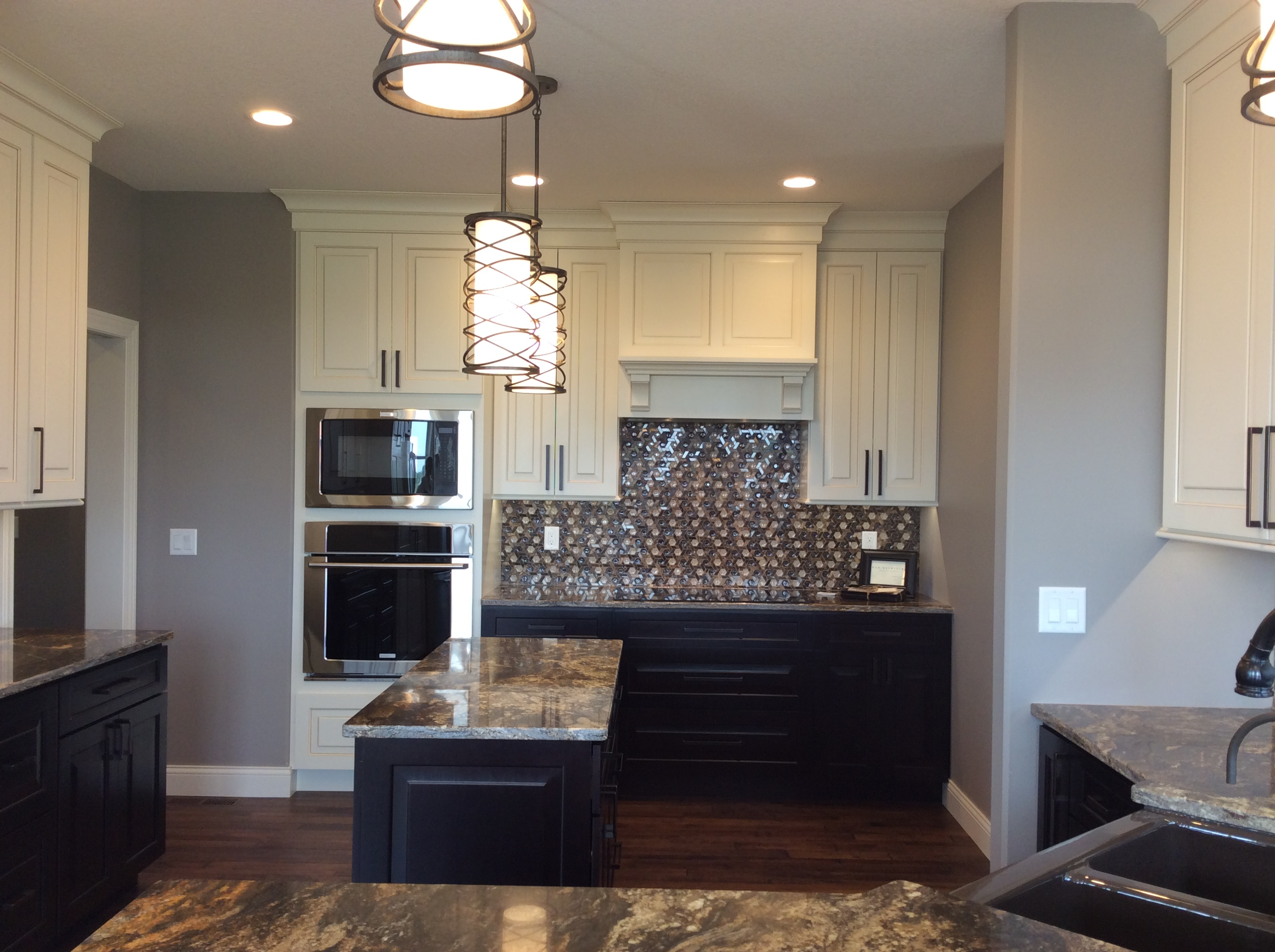 Kitchen and Wet Bar Cabinets - Coralville